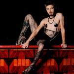 <!--:pt-->Marcelo D'Avilla: boylesque e a arte de burlar<!--:-->
