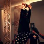<!--:pt-->Documentário explora os diferentes usos do corpo, passando pela dança, modificações corporais, suspensão e muito mais.<!--:-->
