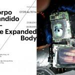 """<!--:pt-->Exposição """"Corpo Expandido"""" recebe performance de Otavio Donasci<!--:-->"""