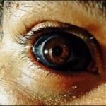 Entrevista com Cristian Rocha sobre o eyeball tattooing