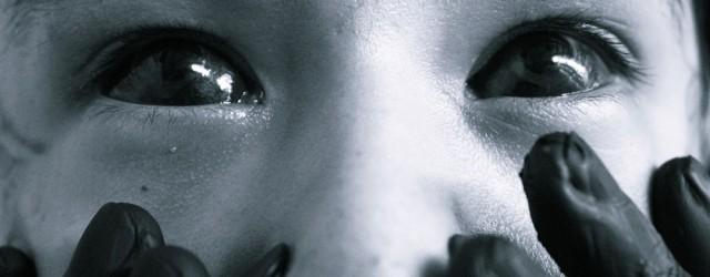 Pessoas modificadas com tatuagem, piercing, escarificações, implantes, línguas bipartidas. Pessoas com tatuagens faciais, muitos piercings, grandes alargadores pelo corpo todo. Pessoas com os olhos coloridos, línguas coloridas, chifres. Pessoas bem […]