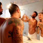 Tatuagens, homossexualidade e música sertaneja em novo vídeo do cantor Thiago di Melo