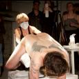 Foto: reprodução / Andrei Venghiac / The Huffington Post O artista espanhol Abel Azcona teceu sua crítica ao Donald Trump, tatuando em volta do ânus as palavras que compuseram o […]