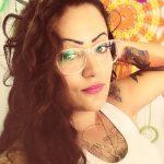Tatuadora do interior de São Paulo faz projeto para atender mulheres que passaram pelo câncer de mama